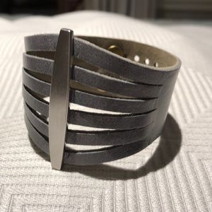 Jewelry - Genuine gray leather bracelet with silver details
